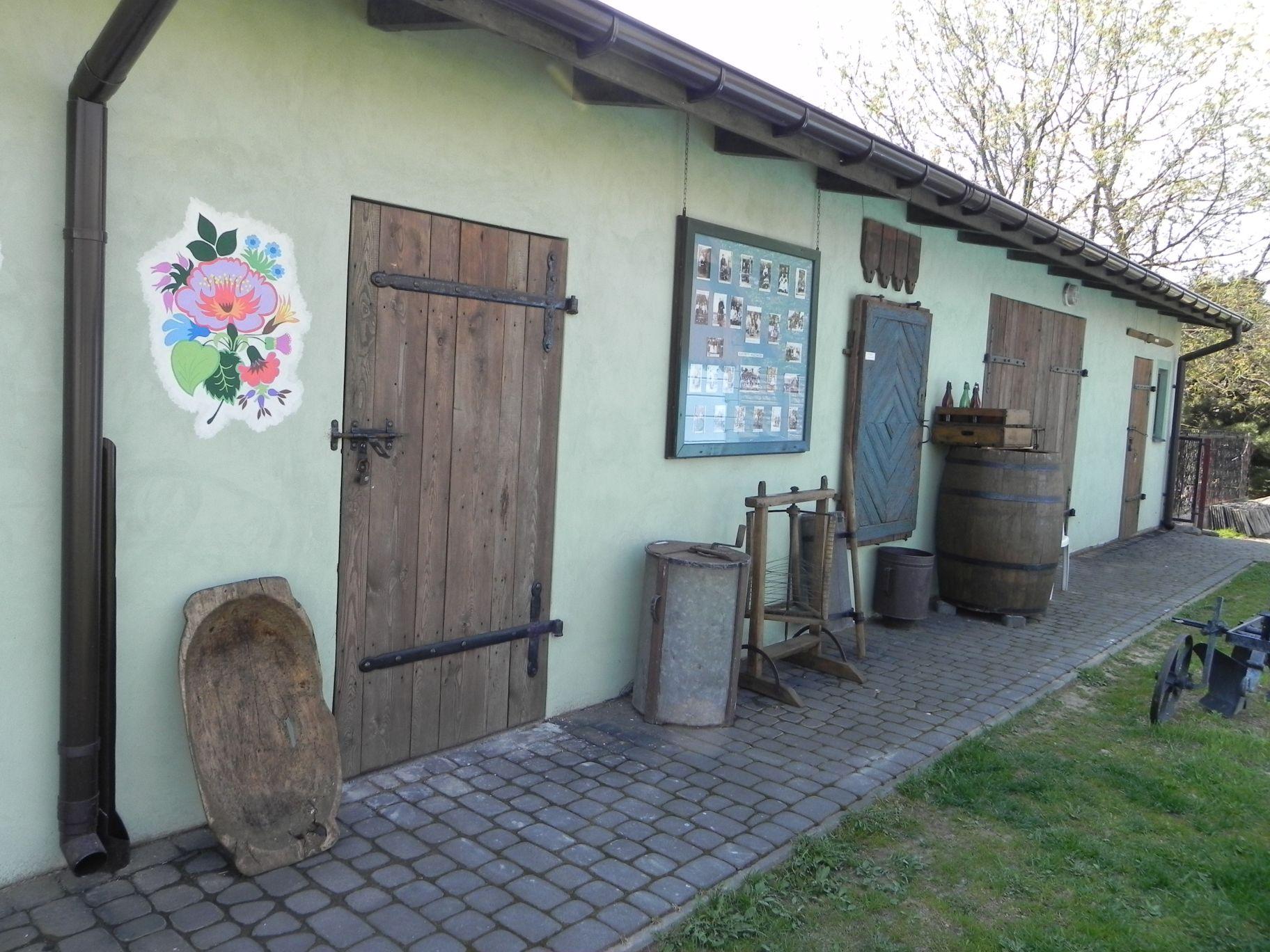 2012-05-03 Lipce Reymontowskie - galeria staroci (57)