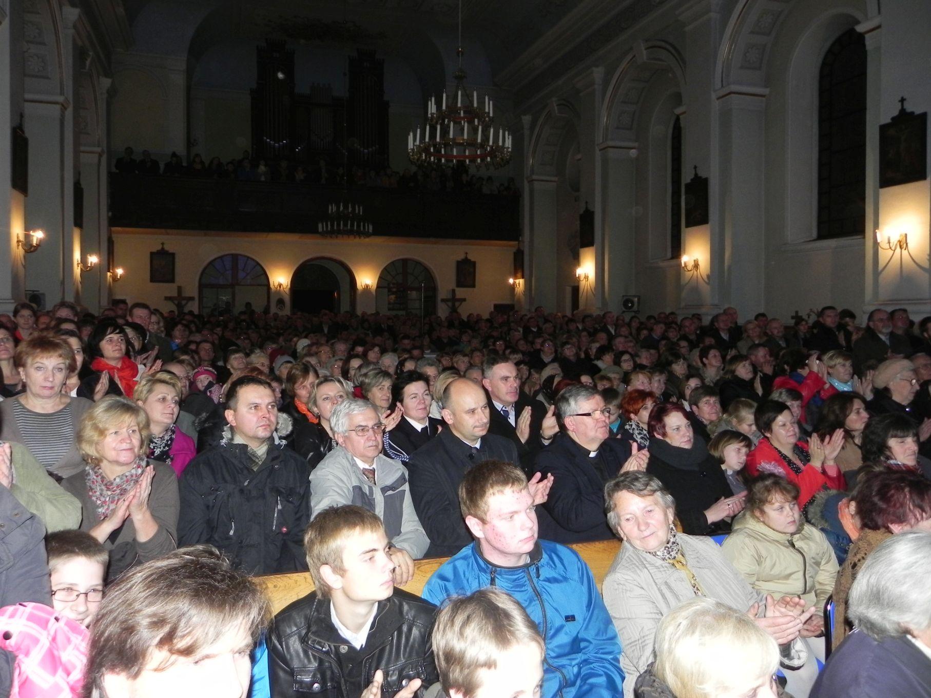 2013-11-10 Rzeczyca - koncert (32)