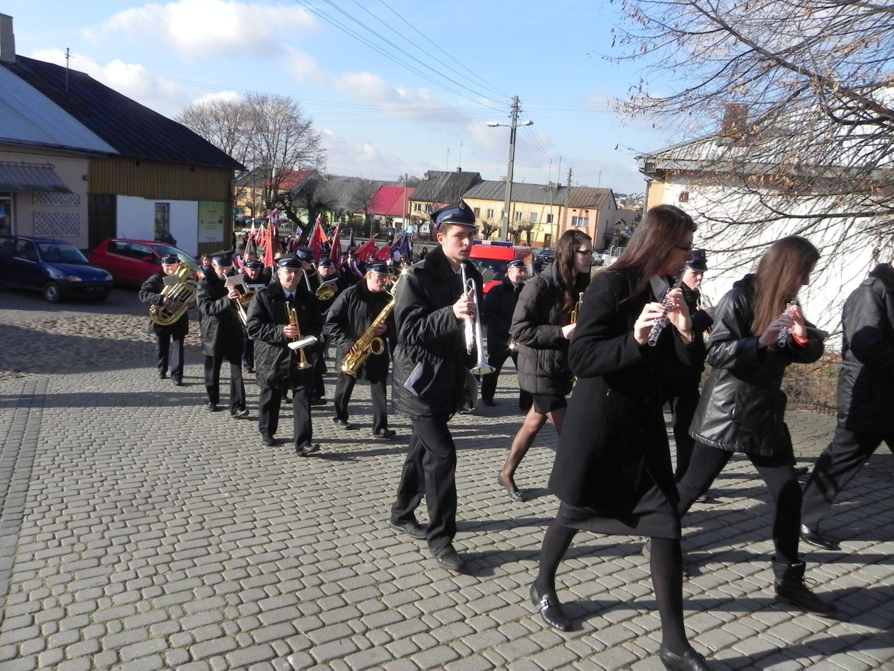2013-11-11 Biała Rawska - 11 listopada (12)