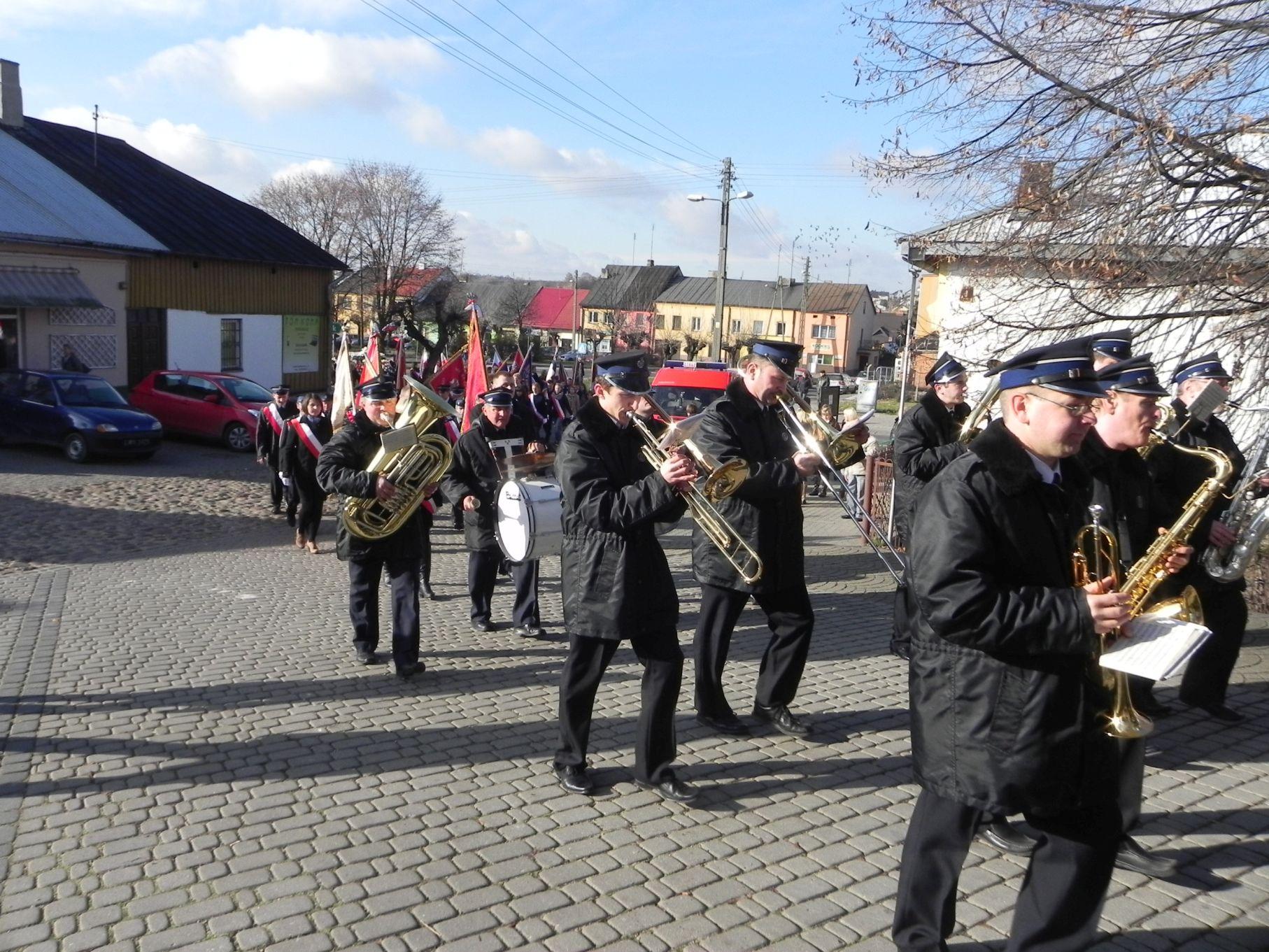 2013-11-11 Biała Rawska - 11 listopada (13)