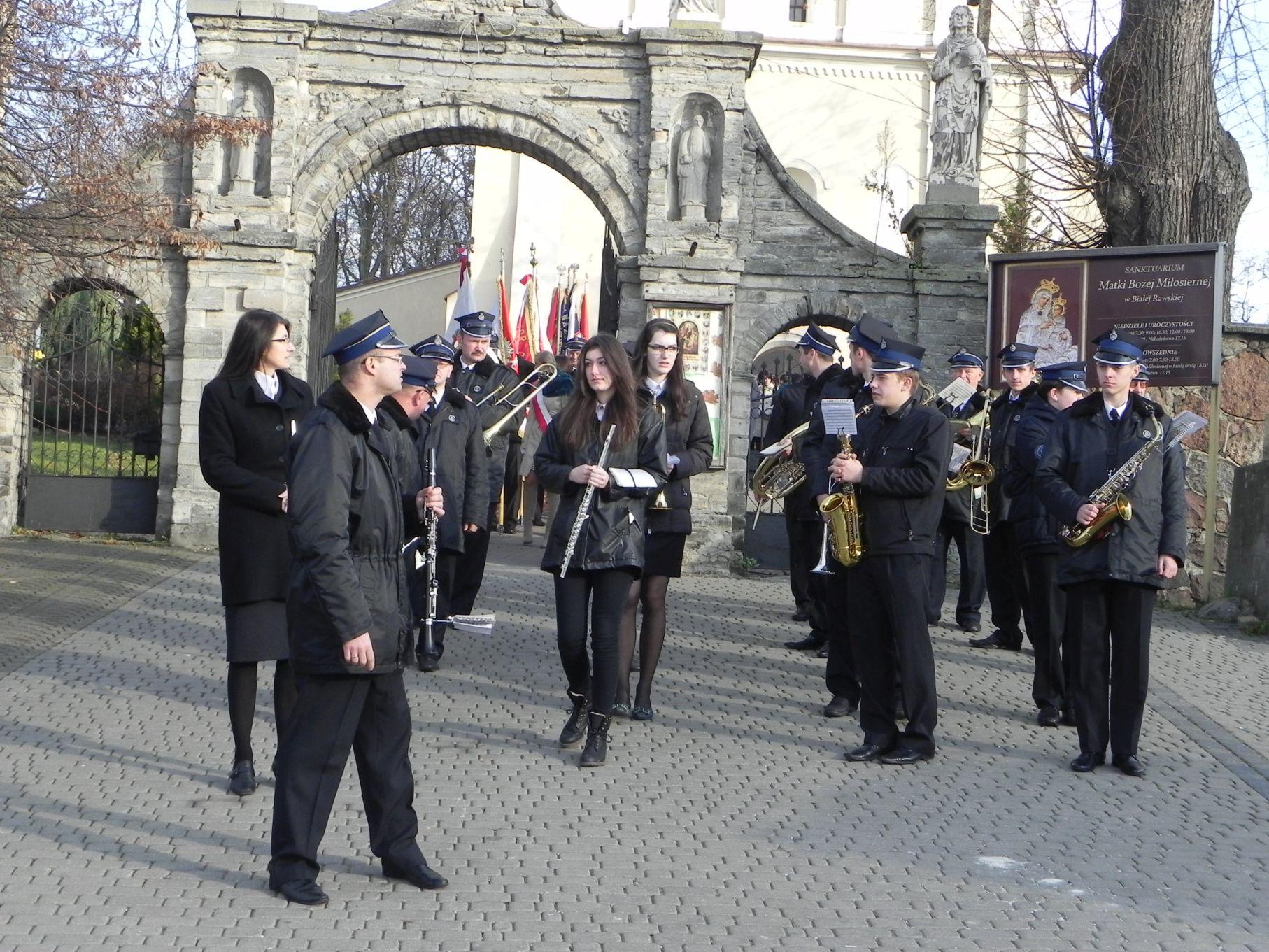 2013-11-11 Biała Rawska - 11 listopada (44)