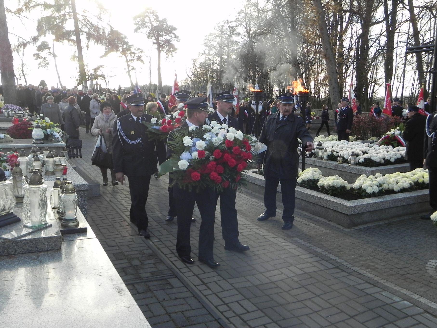 2013-11-11 Biała Rawska - 11 listopada (71)
