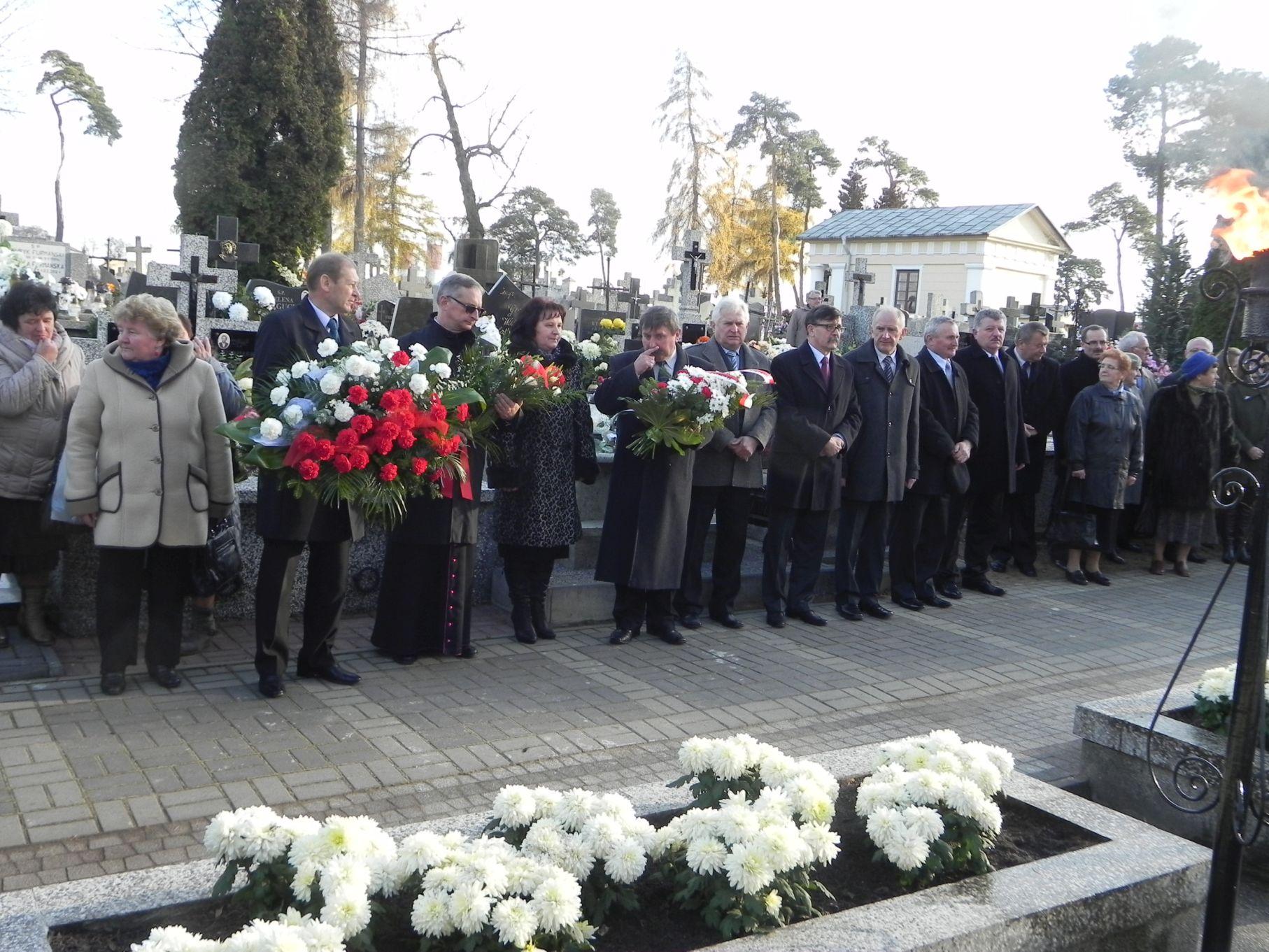 2013-11-11 Biała Rawska - 11 listopada (73)