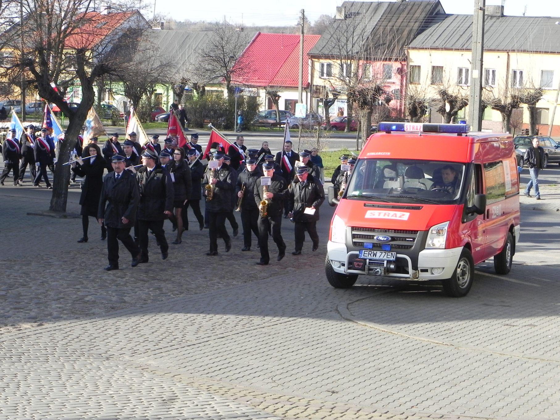 2013-11-11 Biała Rawska - 11 listopada (9)