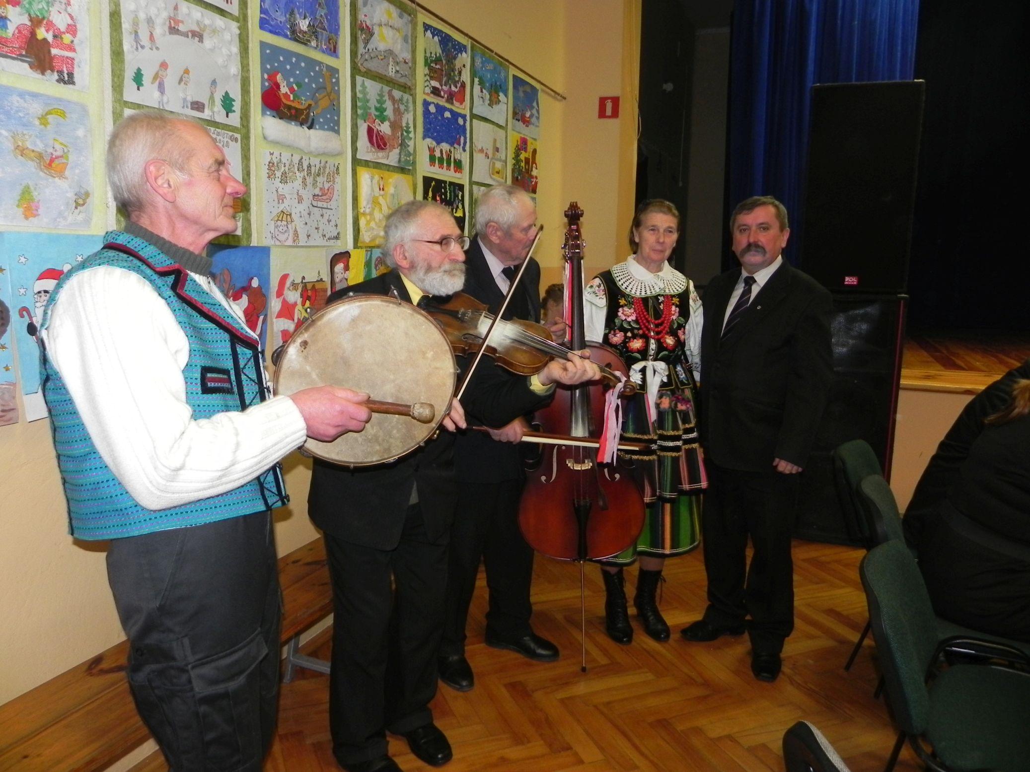 2015-01-06 Biała Rawska - kolędowanie (145)