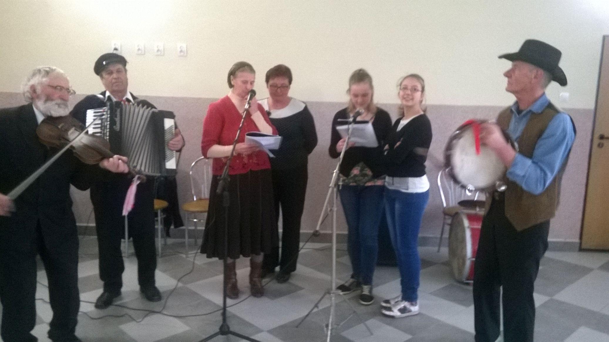 2015-04-11 Potańcówka przy oberku (17)