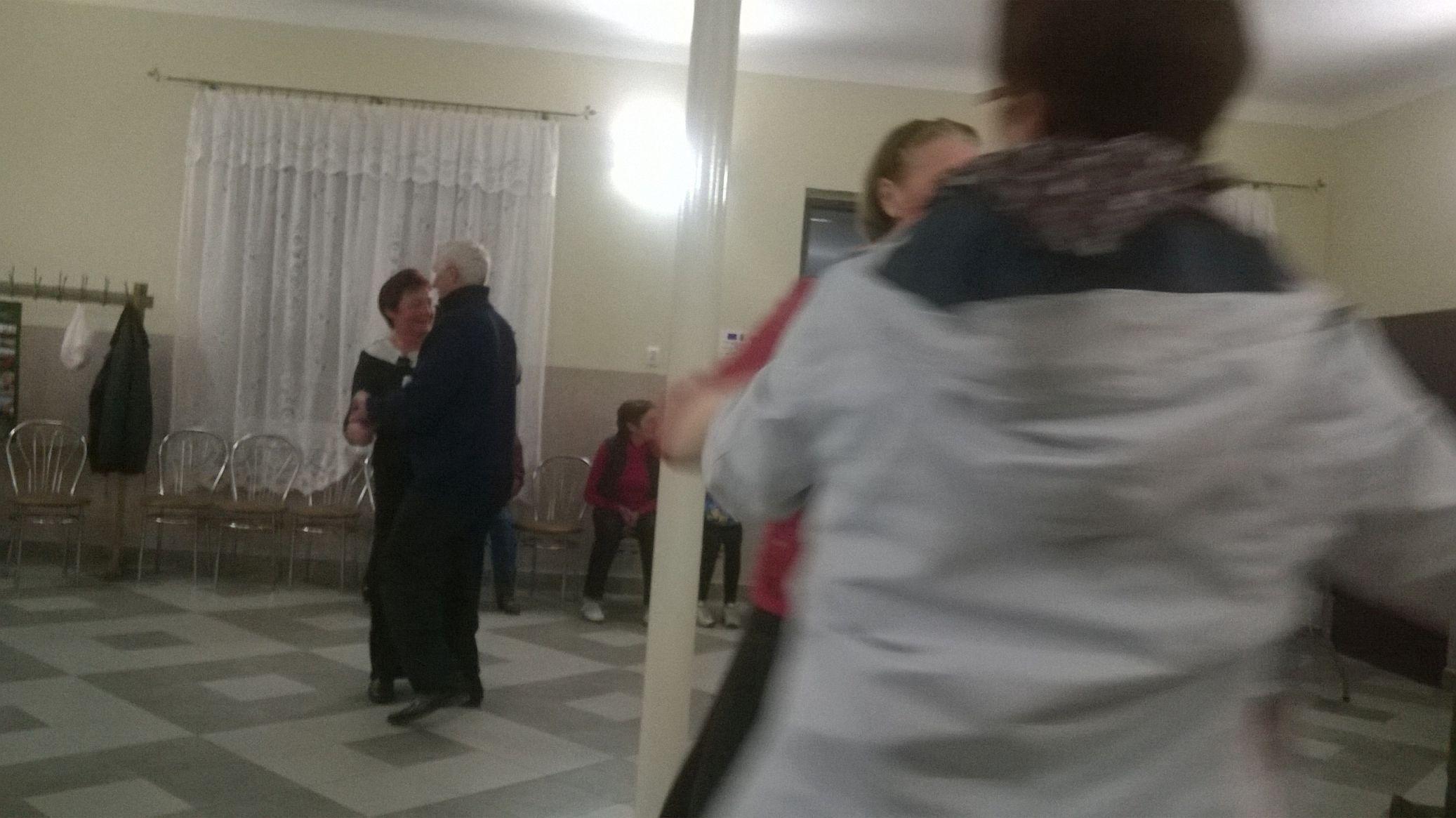 2015-04-11 Potańcówka przy oberku (30)