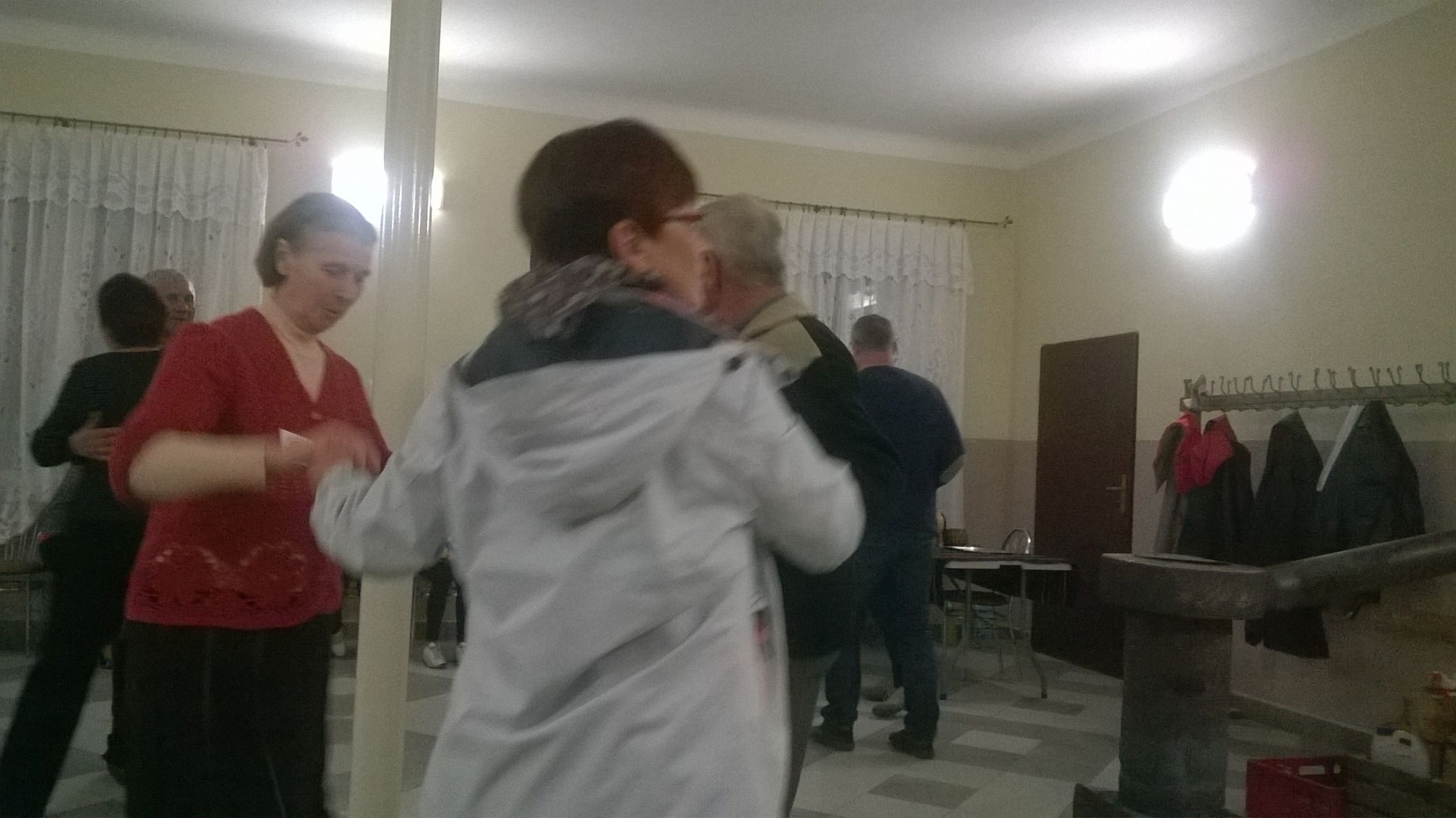 2015-04-11 Potańcówka przy oberku (32)