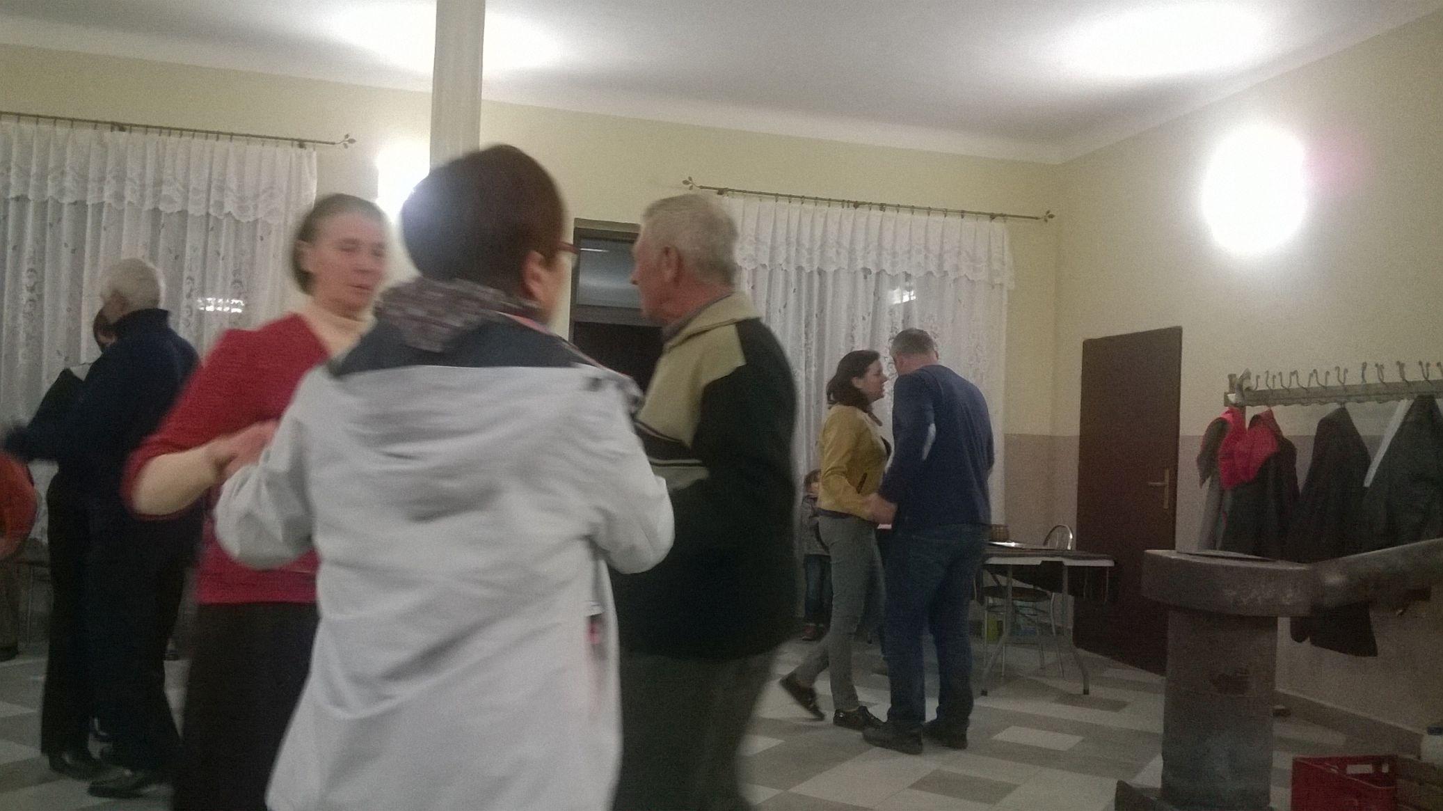 2015-04-11 Potańcówka przy oberku (34)