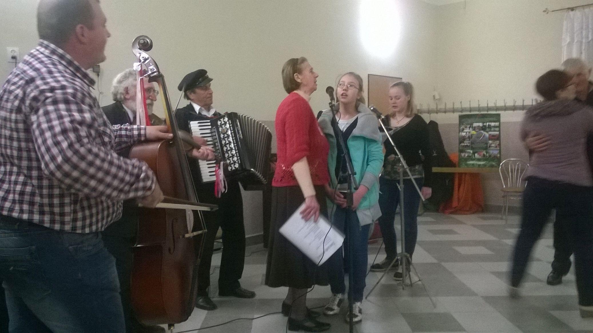 2015-04-11 Potańcówka przy oberku (40)