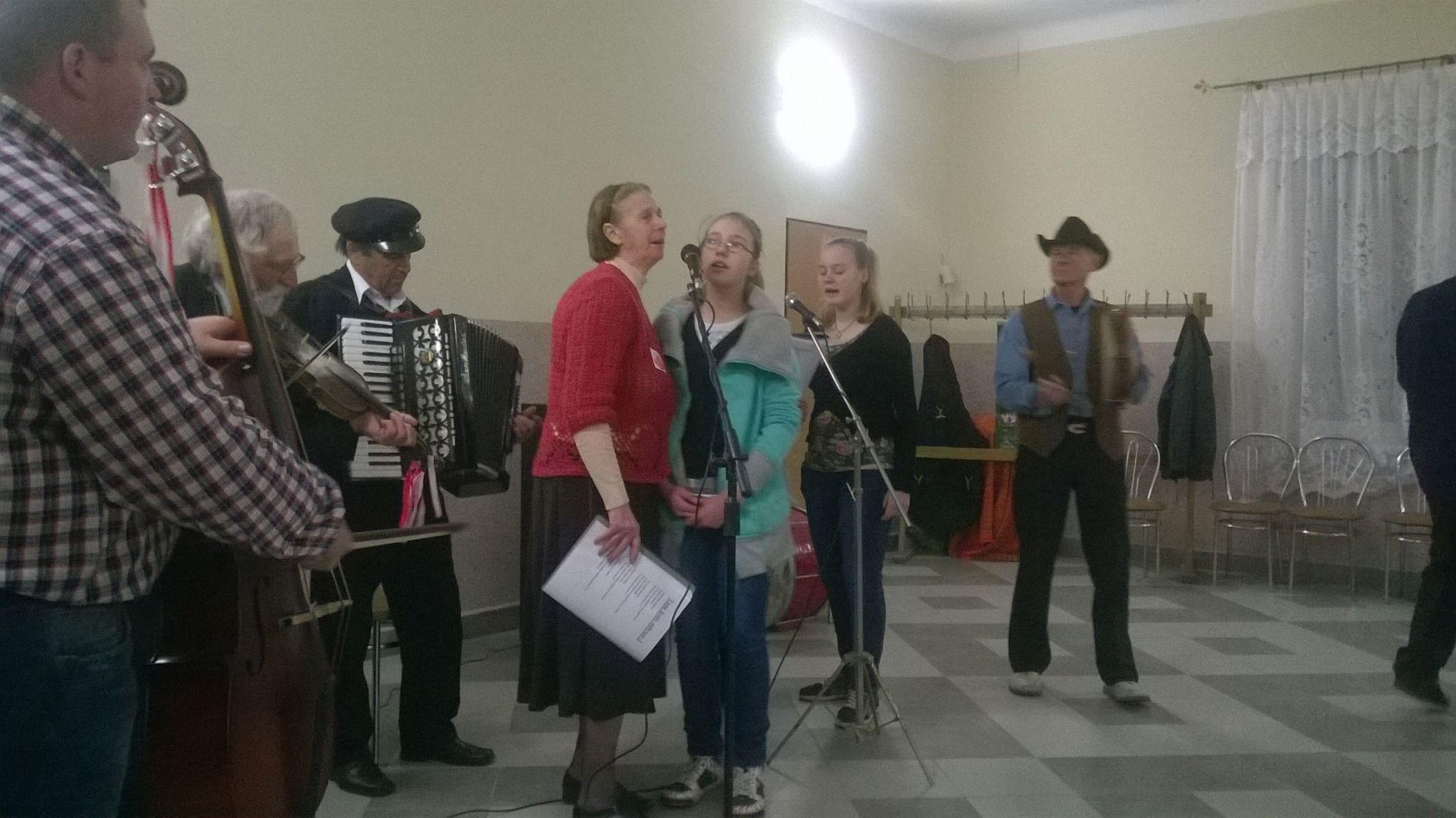 2015-04-11 Potańcówka przy oberku (43)