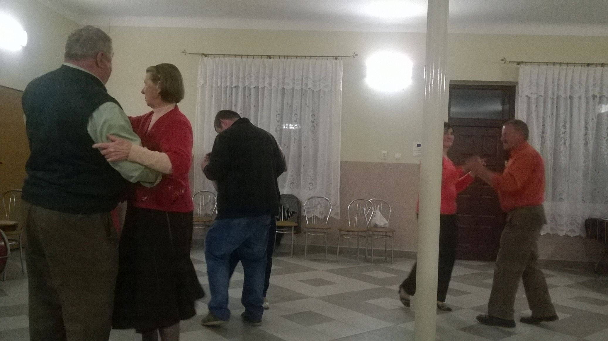 2015-04-11 Potańcówka przy oberku (46)