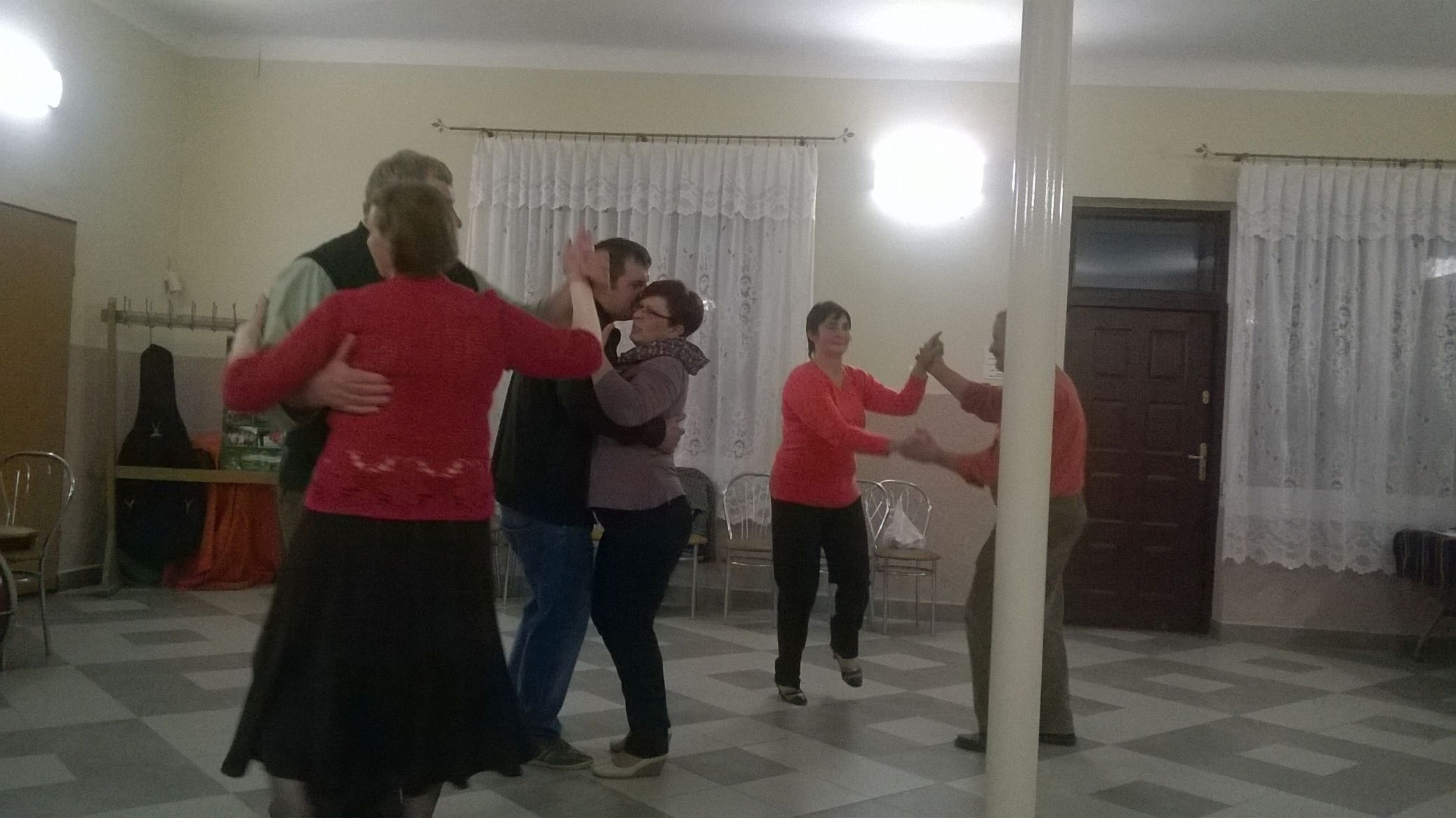 2015-04-11 Potańcówka przy oberku (47)