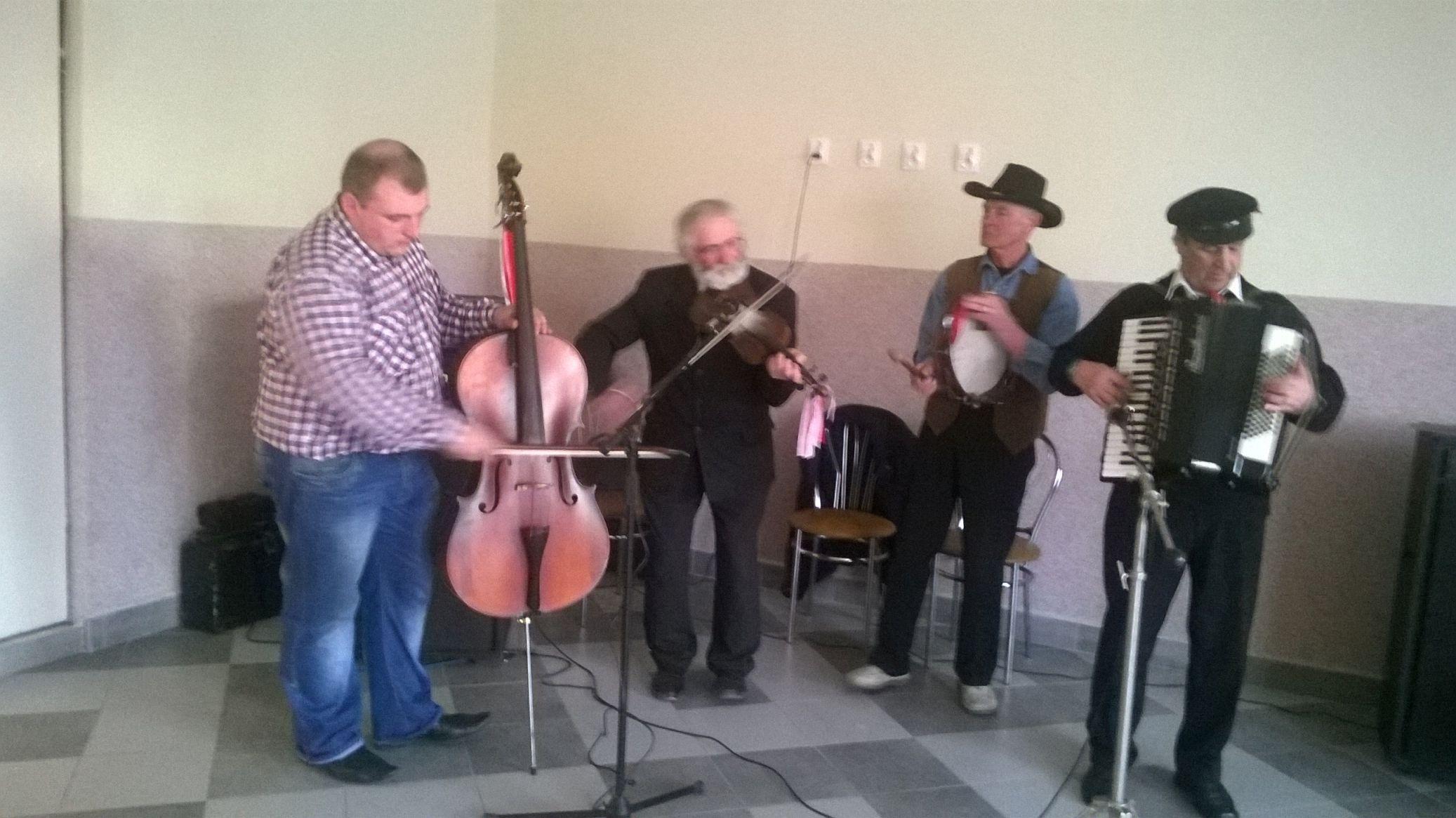2015-04-11 Potańcówka przy oberku (6)