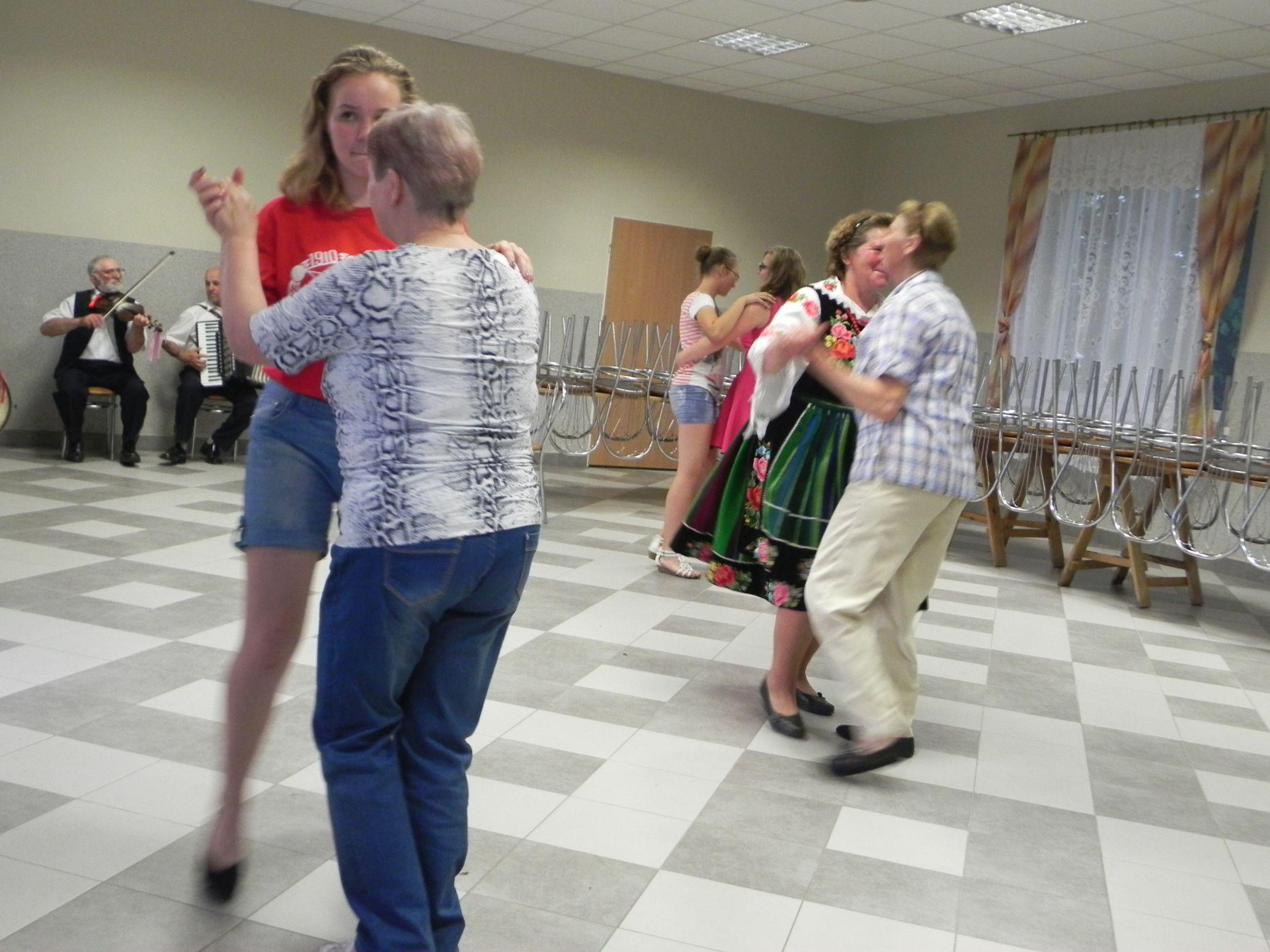2015-06-13 Potańcówka przy oberku (8)