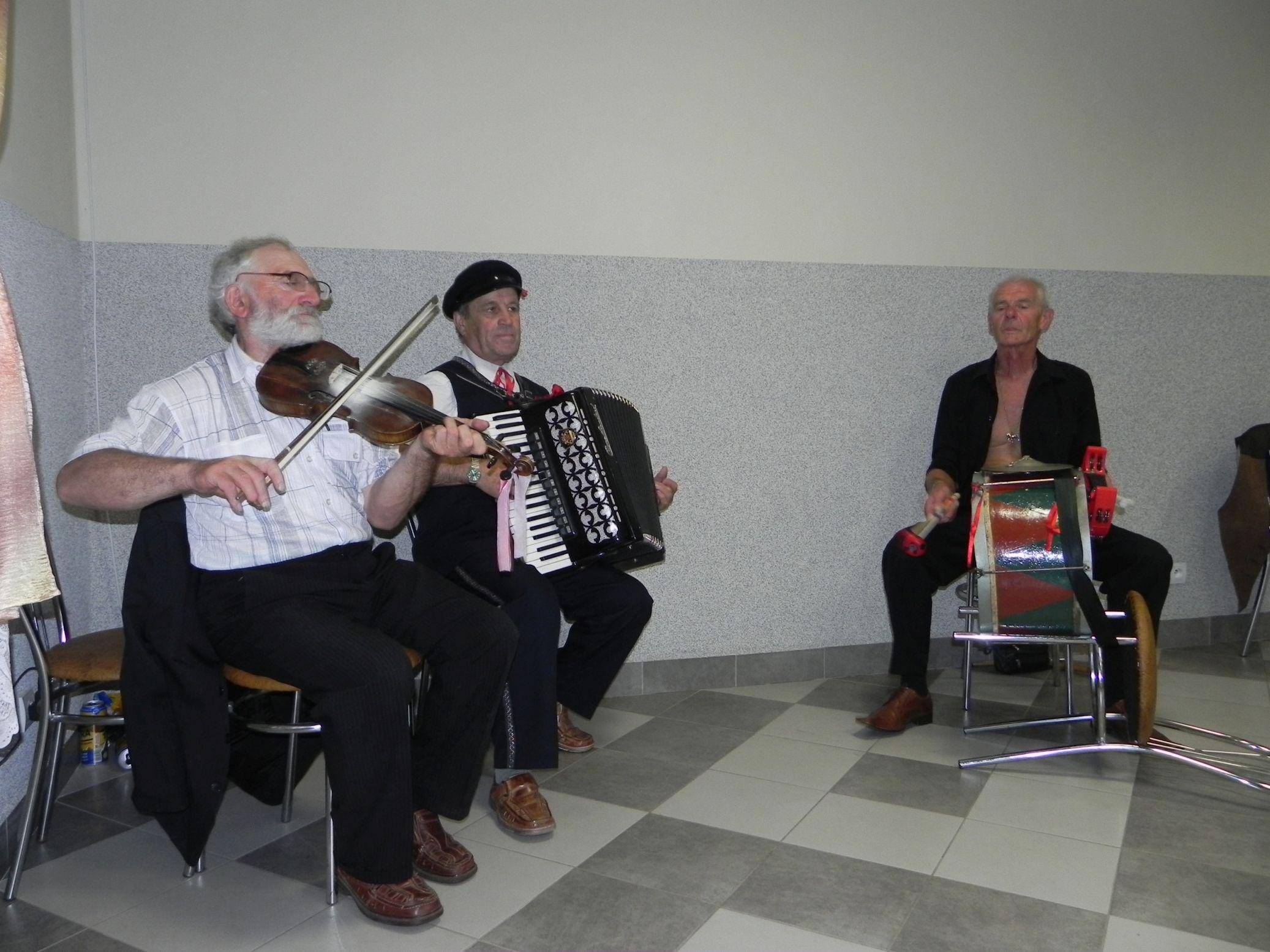 2015-07-18 Potańcówka przy oberku (20)