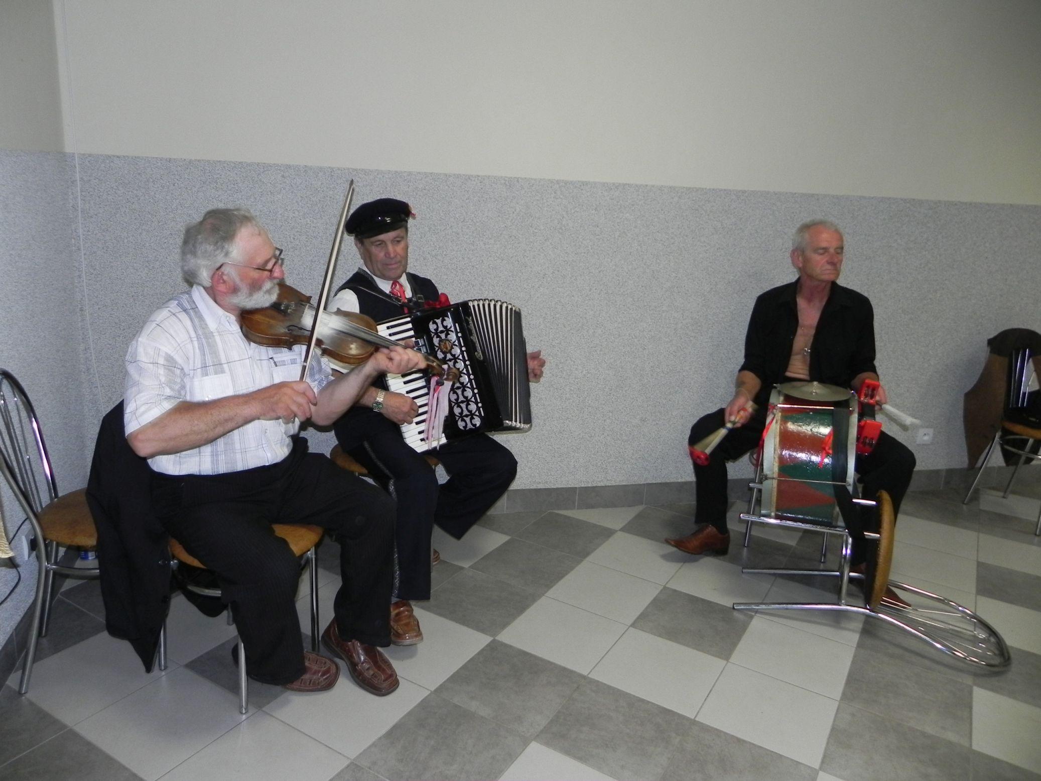 2015-07-18 Potańcówka przy oberku (34)