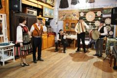 2020-11-15 Sochowa Zagroda - tańce (4)