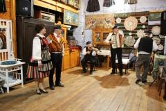 2020-11-15 Sochowa Zagroda - tańce (6)