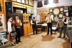 2020-11-15 Sochowa Zagroda - tańce (7)