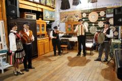 2020-11-15 Sochowa Zagroda - tańce (8)