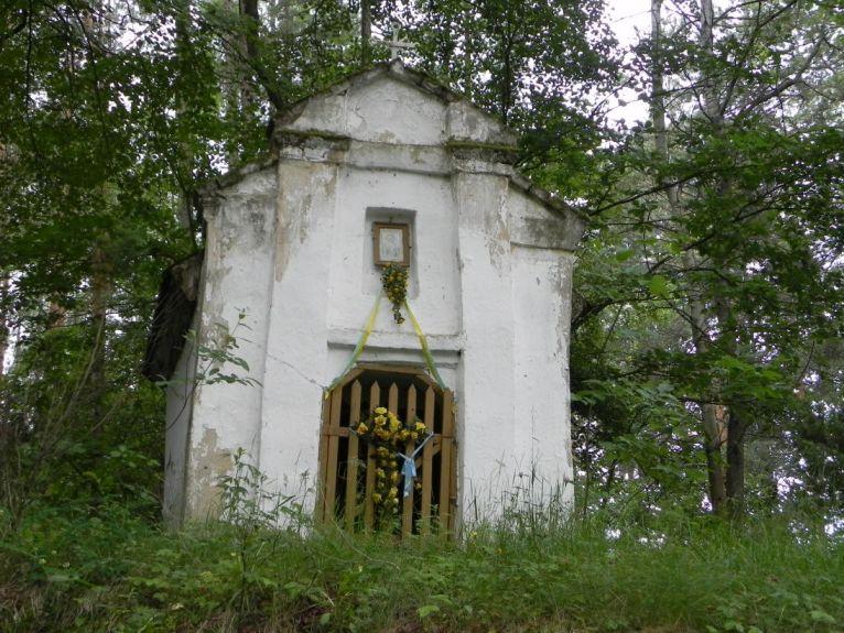 2011-06-19 Glina kapliczka nr1 (1)
