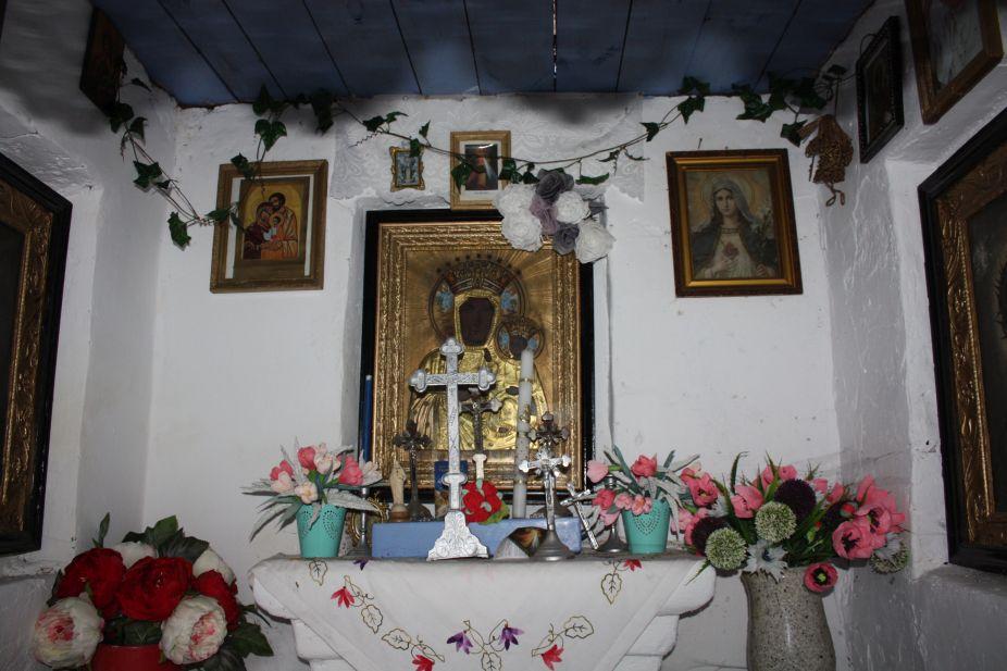 2019-01-15 Glina kapliczka nr1 (15)