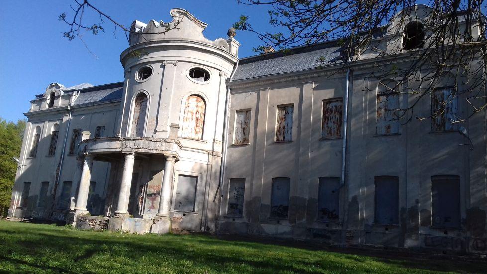 2018-04-22 Nowe Miasto - pałac (13)