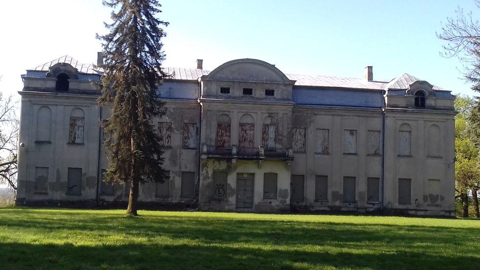 2018-04-22 Nowe Miasto - pałac (3)