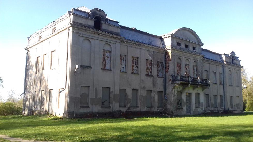 2018-04-22 Nowe Miasto - pałac (8)