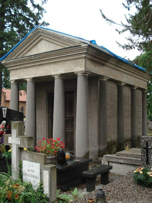 2007-06-03 Radziejwice - cmentarz parafialny (12)
