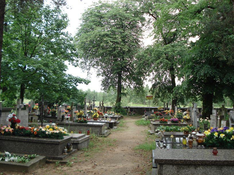 2007-06-03 Radziejwice - cmentarz parafialny (20)