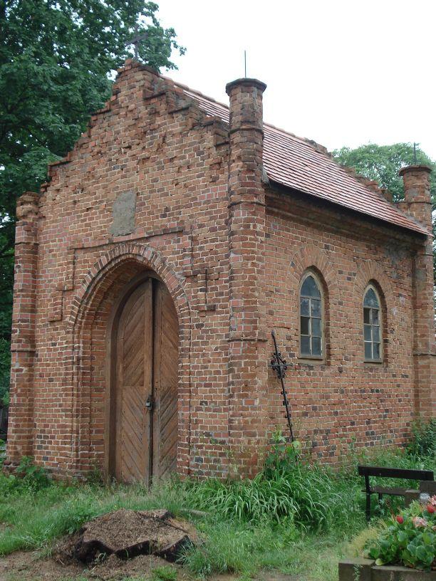 2007-06-03 Radziejwice - cmentarz parafialny (8)