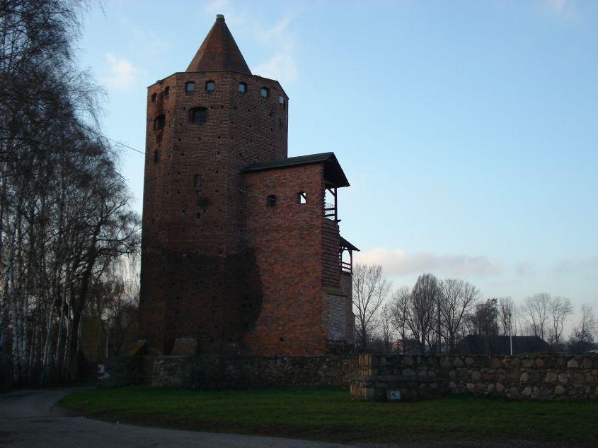 2006-12-11 Rawa Maz. - ruiny zamku (1)