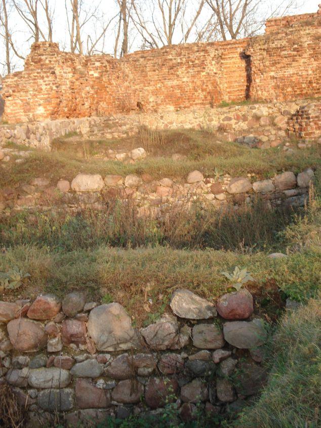 2006-12-11 Rawa Maz. - ruiny zamku (12)