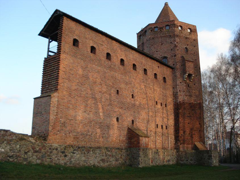 2006-12-11 Rawa Maz. - ruiny zamku (28)