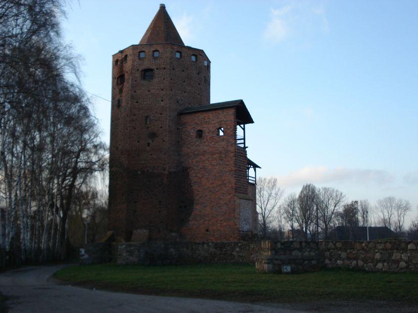 2006-12-11 Rawa Maz. - ruiny zamku (3)