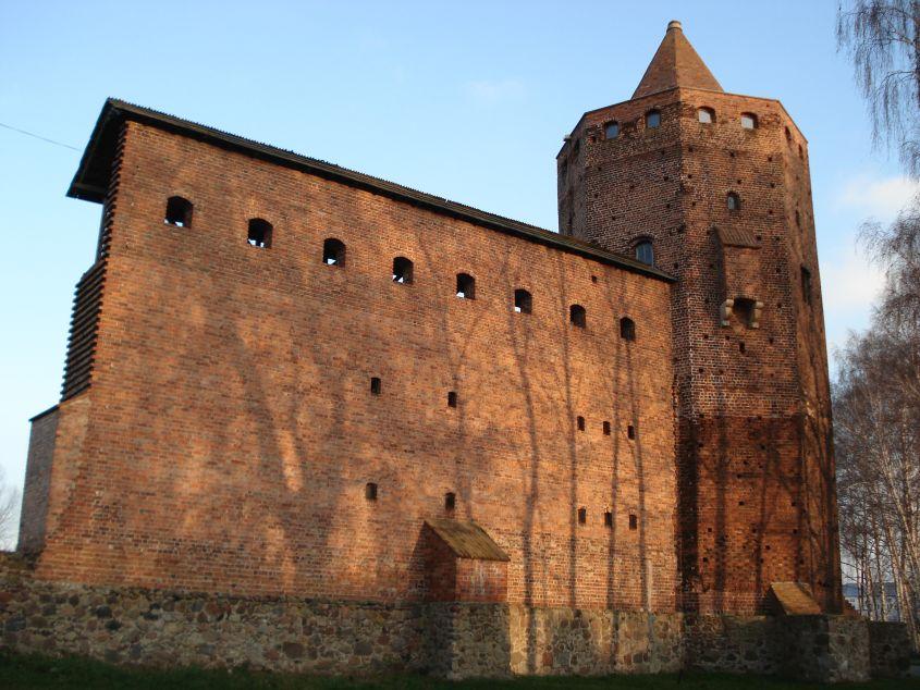 2006-12-11 Rawa Maz. - ruiny zamku (30)