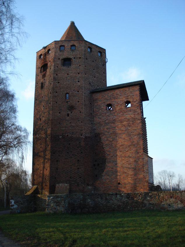 2006-12-11 Rawa Maz. - ruiny zamku (7)