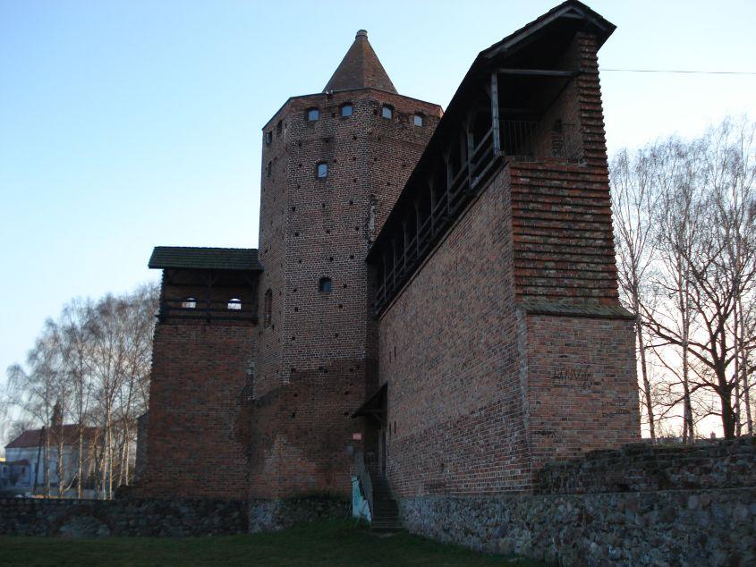 2006-12-11 Rawa Maz. - ruiny zamku (9)
