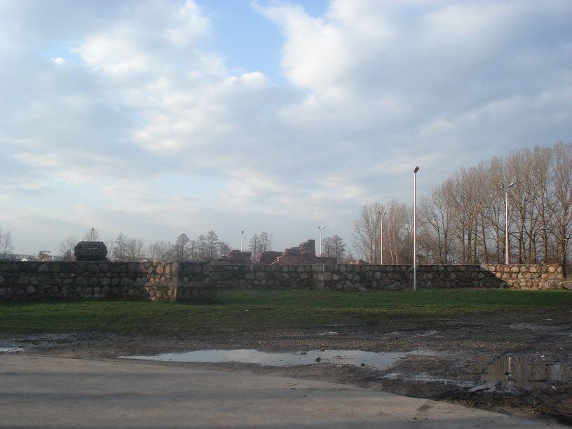 2007-03-22 Rawa Maz. - ruiny zamku (2)