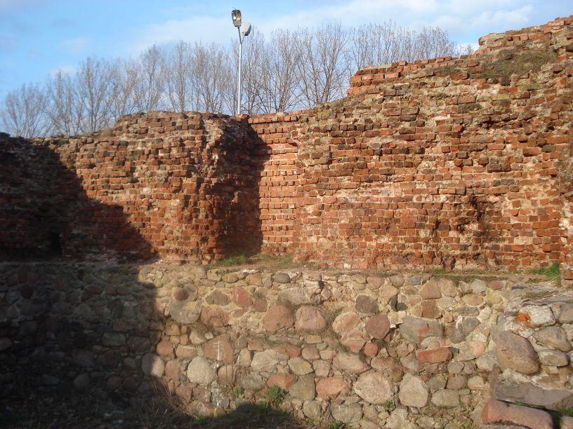 2007-03-22 Rawa Maz. - ruiny zamku (32)