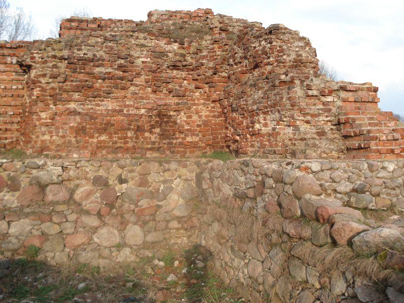 2007-03-22 Rawa Maz. - ruiny zamku (34)
