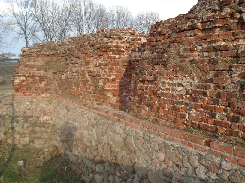 2007-03-22 Rawa Maz. - ruiny zamku (36)
