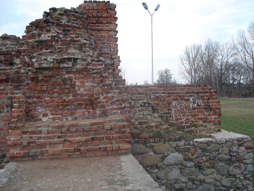 2007-03-22 Rawa Maz. - ruiny zamku (47)