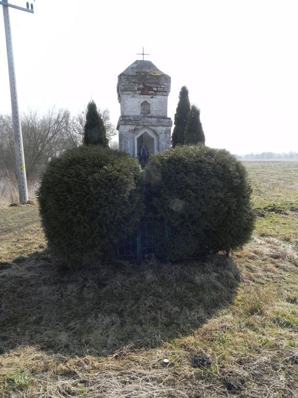 2018-03-25 Grabice kapliczka nr1 (4)