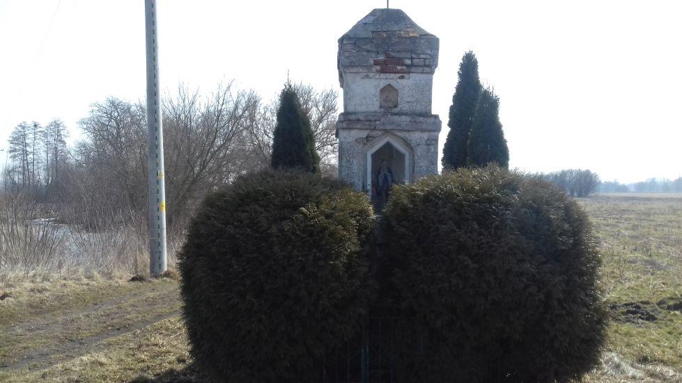 2018-03-25 Grabice kapliczka nr1 (7)