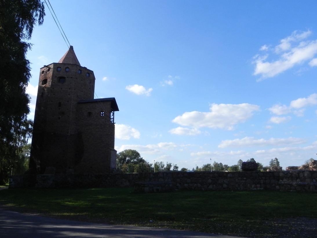 2011-09-13 Rawa Maz. - ruiny zamku (1)