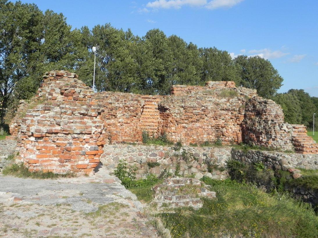 2011-09-13 Rawa Maz. - ruiny zamku (38)