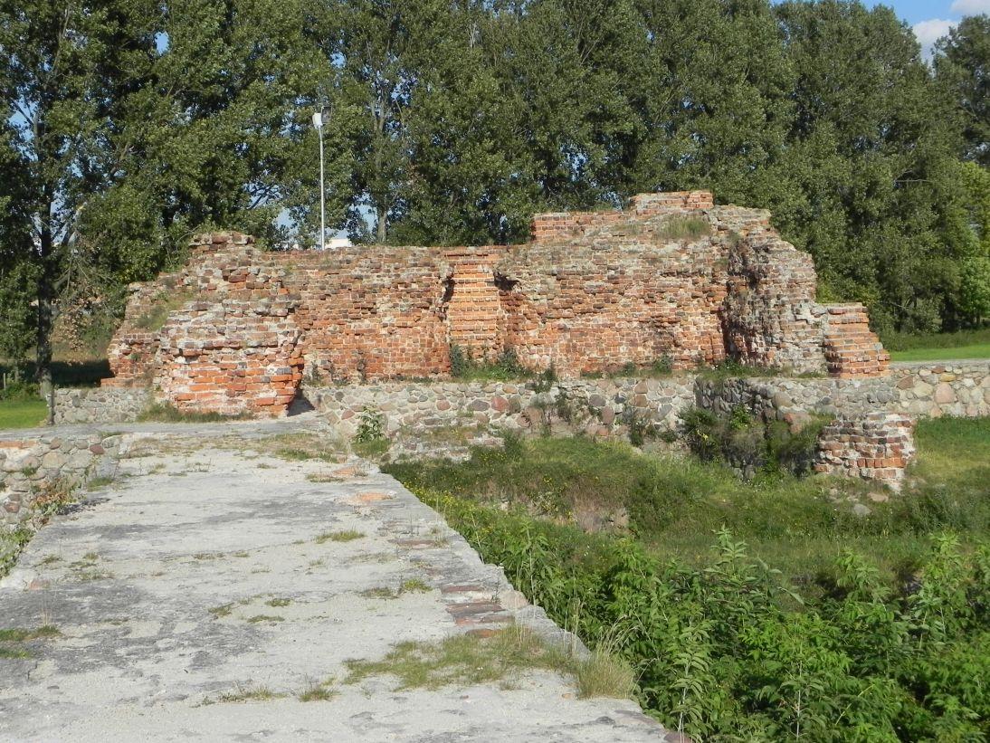 2011-09-13 Rawa Maz. - ruiny zamku (45)